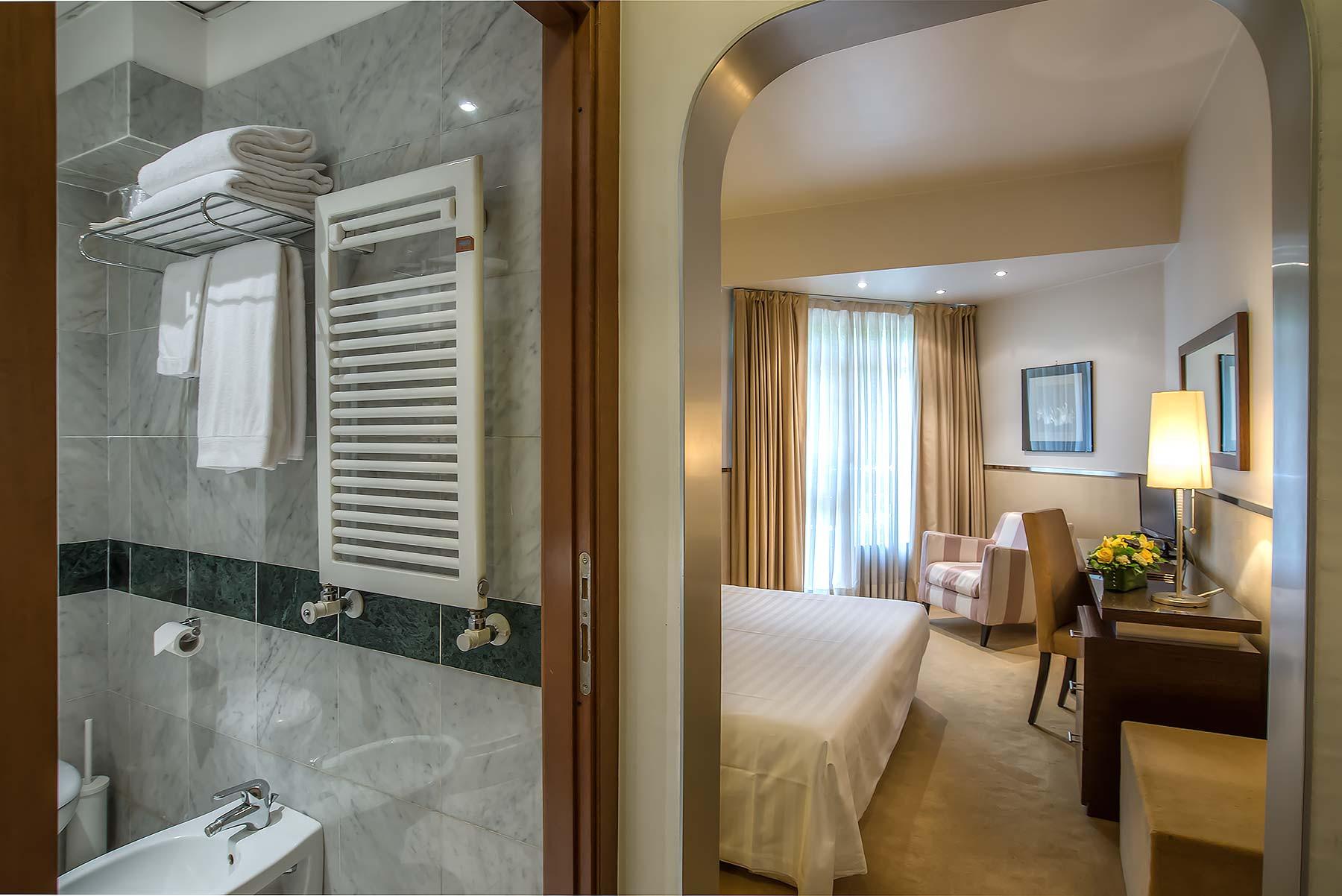 Le camere mini palace hotel viterbo sito ufficiale for Quattro stelle arredamenti surbo